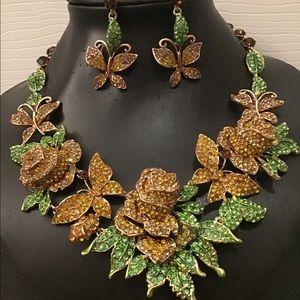 Jewelry - Yellow and Green Crystal Flower Necklace Set